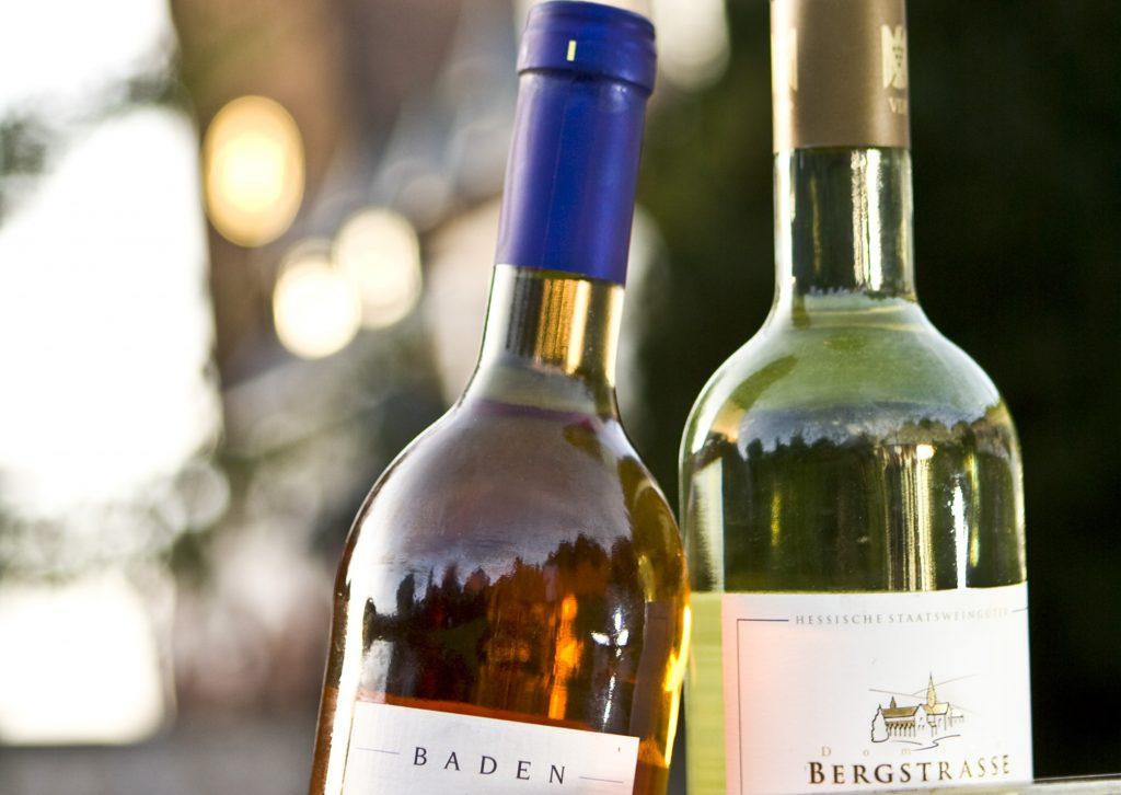 bergstrasse_roter riesling_Bergsträßer Wein Weinheim Weinflaschen